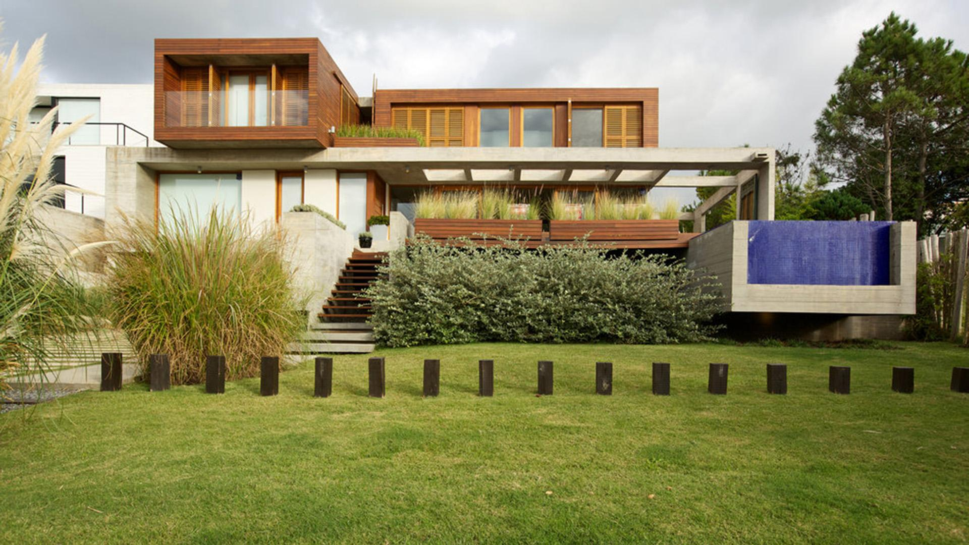 Modern House with Ocean Views located in El Chorro, Punta del Este, Uruguay, listed by Curiocity Villas.