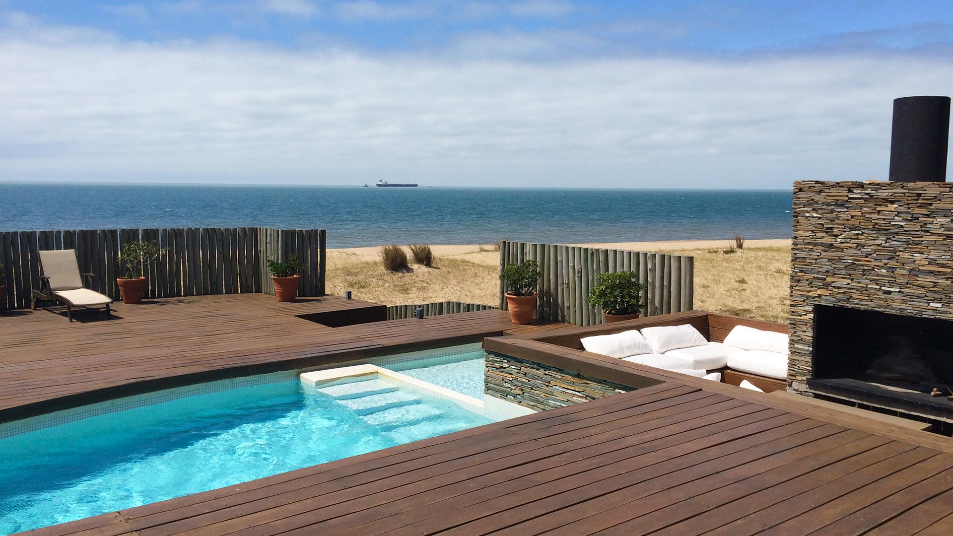 Superb Beachfront Villa located in Jose Ignacio, Punta del Este, Uruguay, listed by Curiocity Villas.