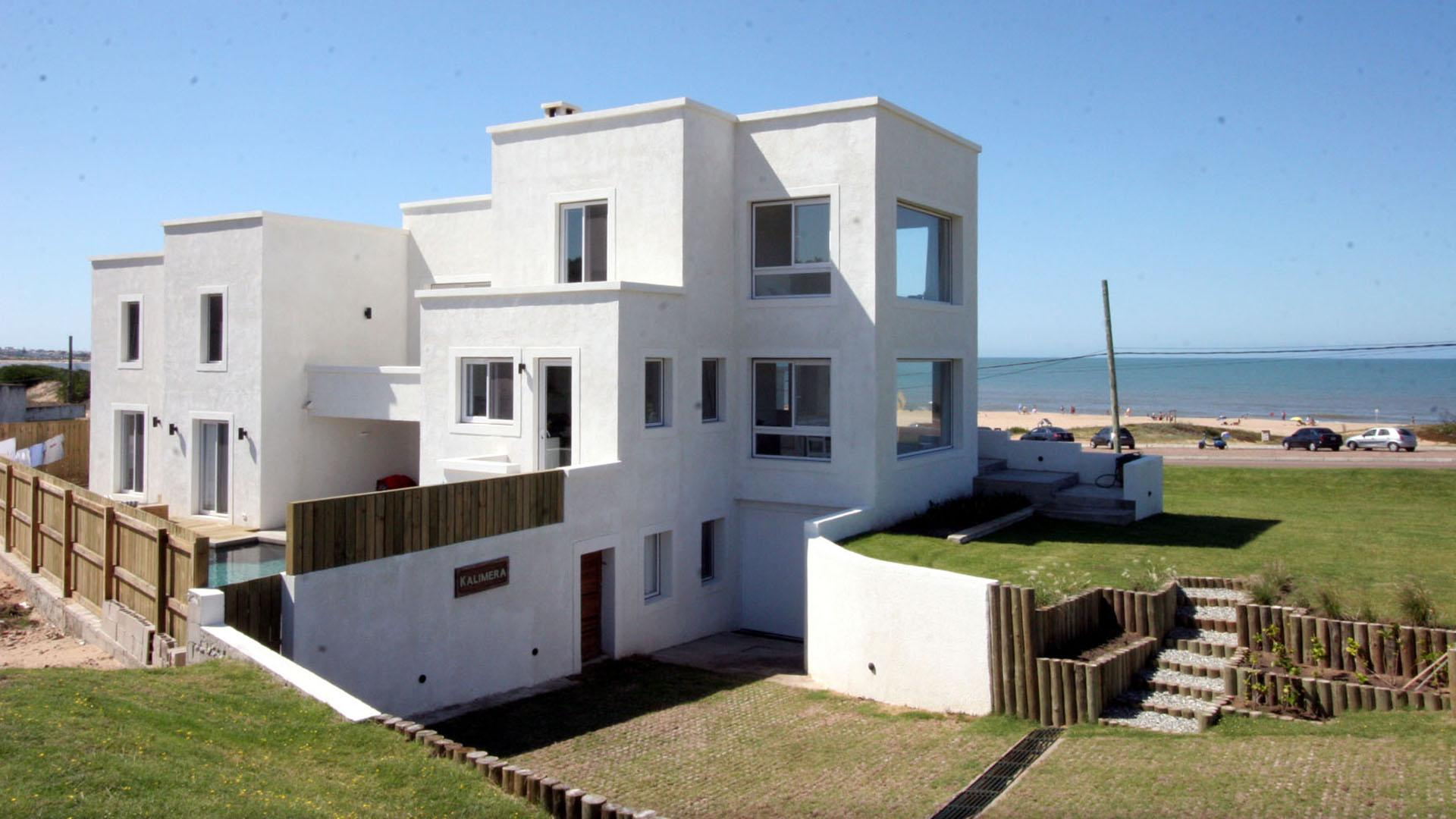 Ocean-View House Excellent Location located in La Barra, Punta del Este, Uruguay, listed by Curiocity Villas.